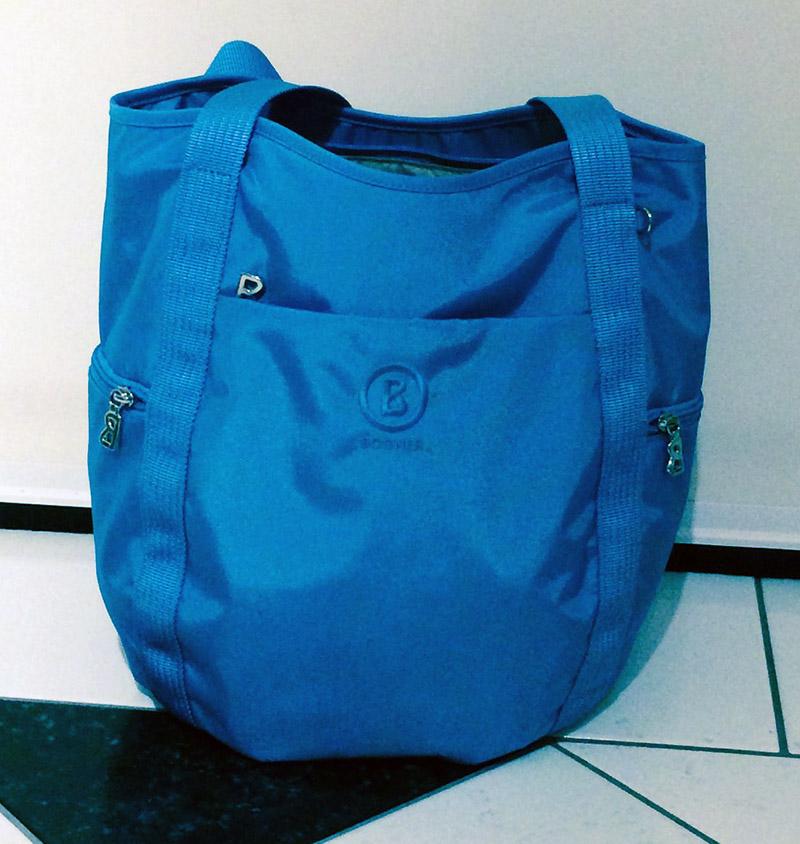 blaue Damentasche von Bogner, Vorderansicht