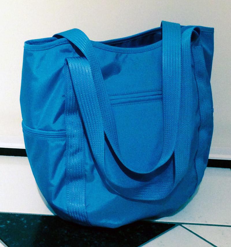 blaue Damentasche von Bogner, Rückansicht
