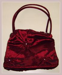rote Abendtasche, Vorderansicht