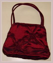 rote Abendtasche, Rückansicht