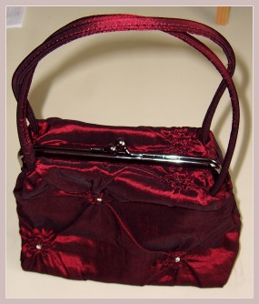rote Abendtasche