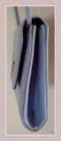 hellblaue Tasche aus Kunstleder, Seitenansicht