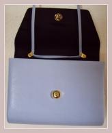 hellblaue Tasche aus Kunstleder, Innenansicht