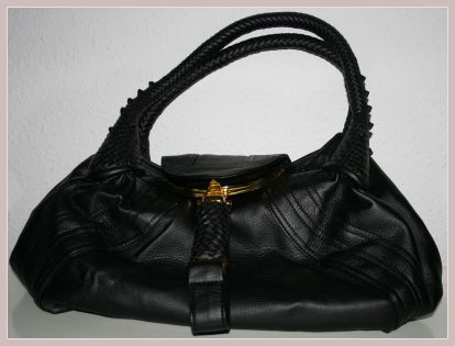 schwarze Spy Bag, Vorderansicht