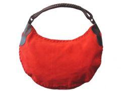 rote Wildledertasche aus dem Handtaschenstore