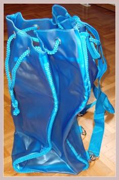 blauer Rucksack, Seitenansicht