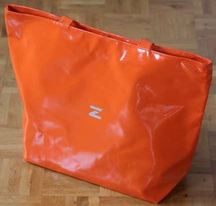 Shopper in orange