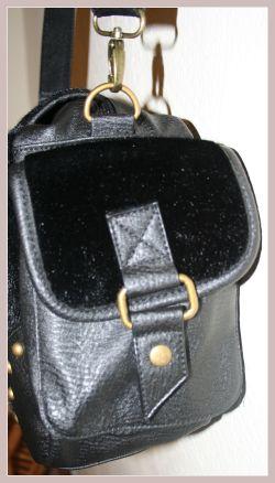 Umhängetasche, Detail Seitentasche