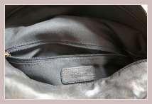 schwarze Umhängetasche von S. Oliver, Innenansicht