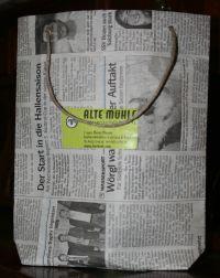 Zeitungstüte, Vorderansicht