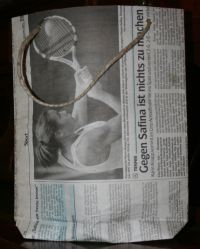 Zeitungstüte, Rückansicht